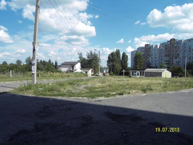 У Василькові жителі багатоповерхівки перешкоджають зведенню храму УГКЦ