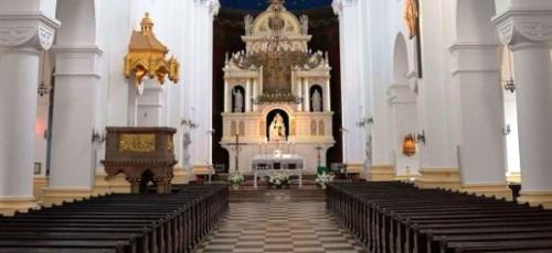 Показ мод у  церкві