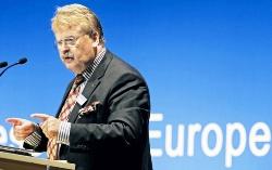 Голова Комітету Європарламенту з закордонних справ засудив придушення релігійних прав в Україні