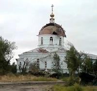 Терористи обстріляли храм на Луганщині, у якому ховалися мирні жителі.(ВІДЕО)