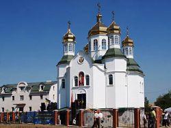 Луганськ: проросійськи бойовики захопили Свято-Троїцький кафедральний собор
