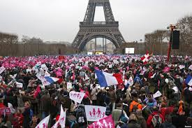 У семи європейських столицях пройшли марші проти одностатевих «шлюбів»