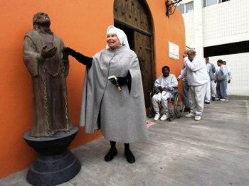 Монахиня 25 років прожила в тюремній камері задля служіння в'язням